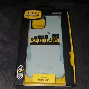 Iphone 11 PRO otterbox case (Brand New)